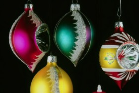 Christmas essential oils for Christmas cheer - image